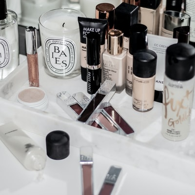 How to Clean Your Makeup Tool Bag, With Tips for the Perfect Day