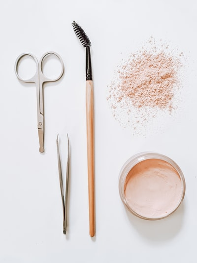 How to use makeup brushes for better skin care with this tutorial