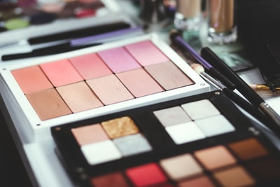 How to make your face look flawless in any style